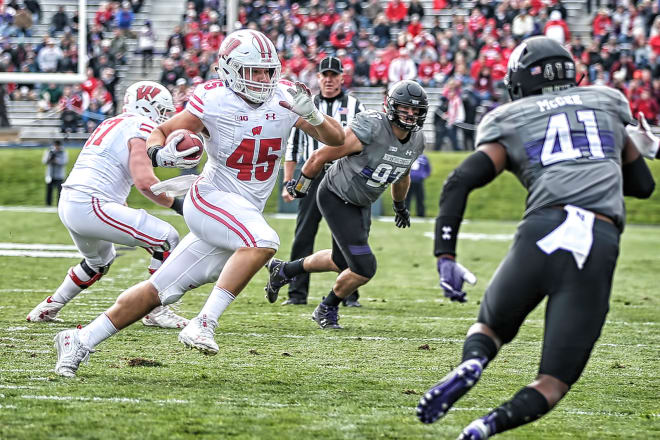 Oakland Raiders fullback Alec Ingold as a member of the Wisconsin Badgers.