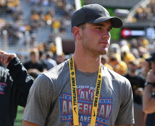 Class of 2021 in-state linebacker Zach Twedt committed to the Iowa Hawkeyes today.