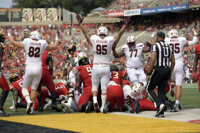 Temple players celebrate a touchdown during the Owls' 35-14 win over Maryland last season.