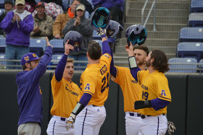 ECU picks up a weekend sweep of Marist by a score of 10-5 to win their fourth straight game.