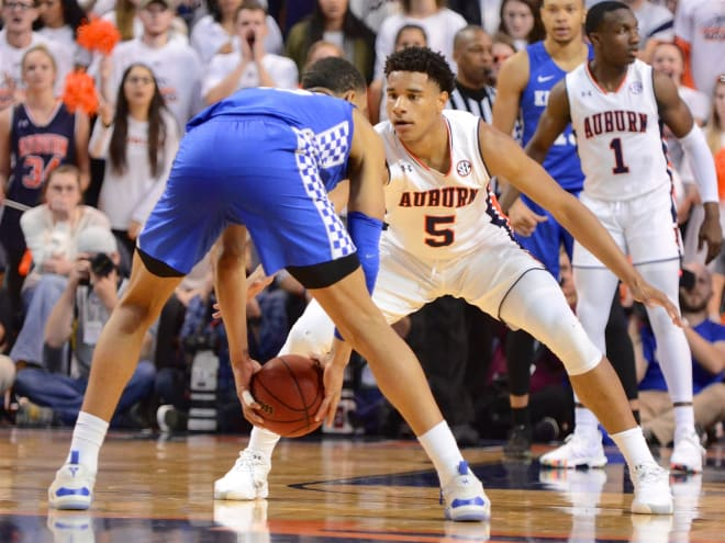 Kentucky basketball's Tyler Herro on free throws at Auburn