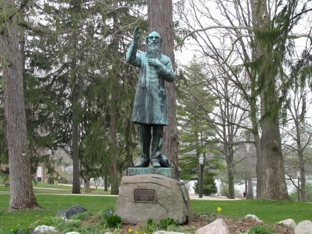 """""""Fair-Catch Corby"""" remains a landmark at Notre Dame for the absolution he gave in the Civil War's Battle of Gettysburg."""
