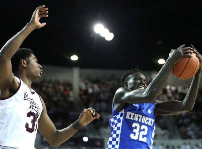 Kentucky Basketball Isn T Going Undefeated Or Winning The: BASKETBALL NOTEBOOK (1/18): 'AAU