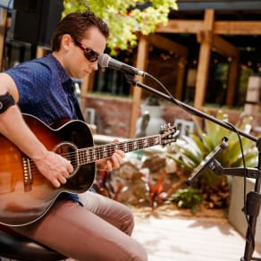 Live Music In The Laneway