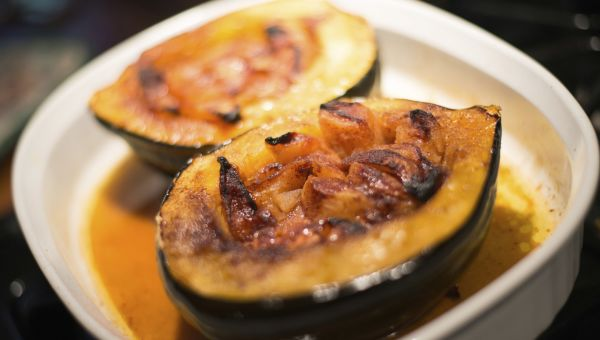 Stuffed Acorn Squash With Apples and Cranberries