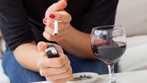 Avoid alcohol and smoking before bed