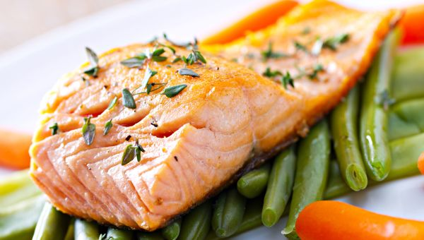 Lemon and herb salmon with green beans