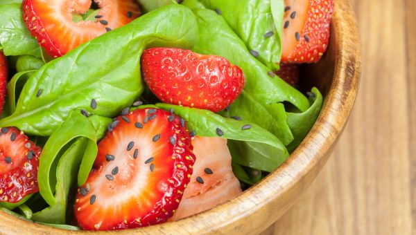 Spinach and Strawberry Salad with Pecans Recipe