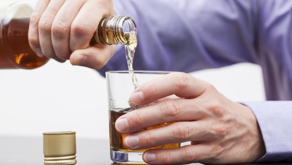 Mid-Life Boozing Speeds Up Brain Aging
