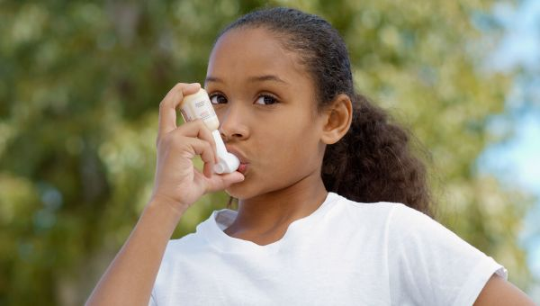 How to Help Your Children Use Their Asthma Inhaler
