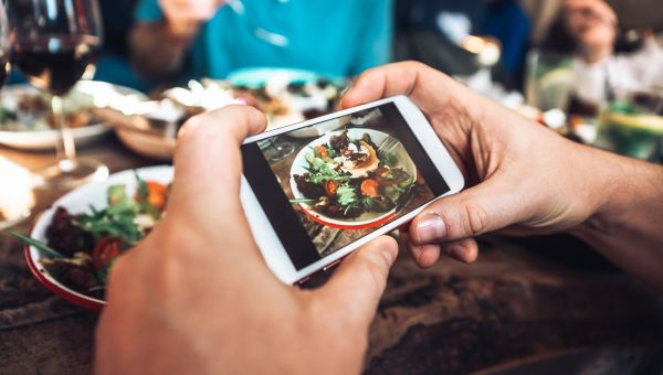 Want to Eat Healthier? Grab Your Smartphone