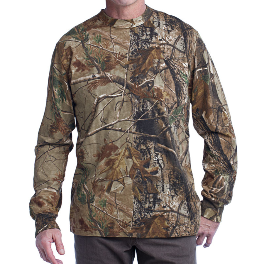 Russell Outdoors Realtree Long Sleeve Explorer 100% Cotton T-Shirt with Pocket (Apparel)