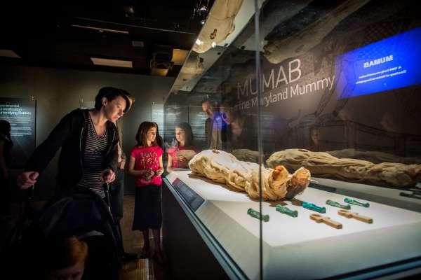 Mummies of the World (Momias del Mundo)