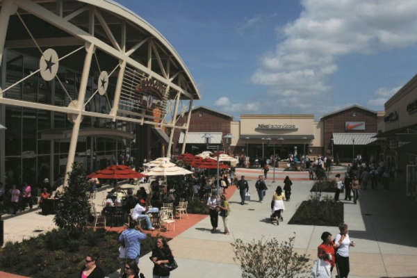 Free VIP Coupon Books from Houston Premium Outlets