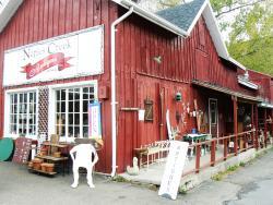 naples-creek-antiques-exterior
