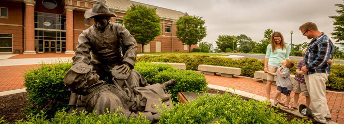 Soldier statue at National Civil War Museum