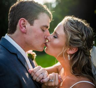 Heltons kissing on wedding day