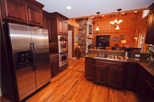 Cabin fever 6 rad reasons to rent a mountain retreat for Asheville nc luxury cabin rentals