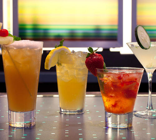 Aloft Tampa Downtown and WXYZ Bar - Sip and Stay!