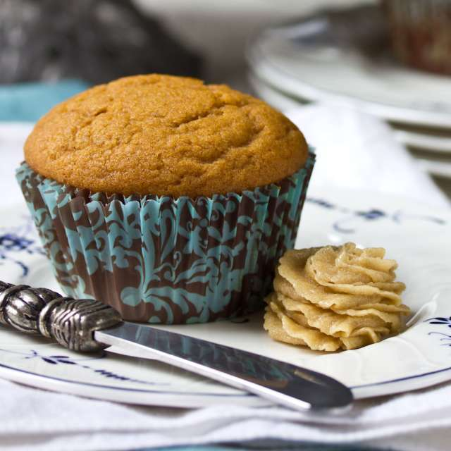 Easy Pumpkin Spiced Muffins #Recipe | ExploreAsheville.com