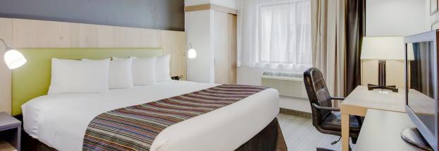 Country Inn & Suites King Room