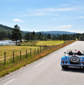 Car driving in Setesdal