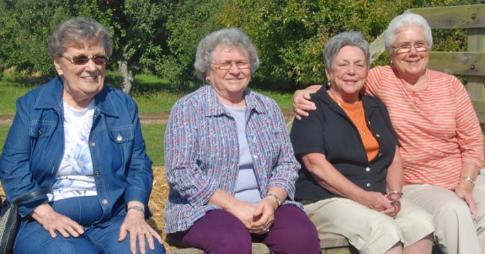 4 Ladies on Hayride at Beasleys