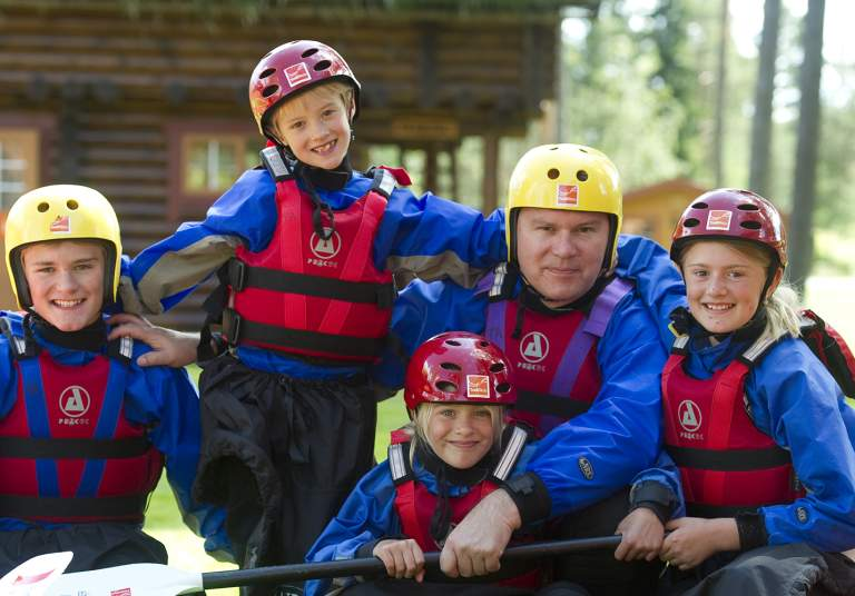Family rafting with Troll Aktiv in Evje