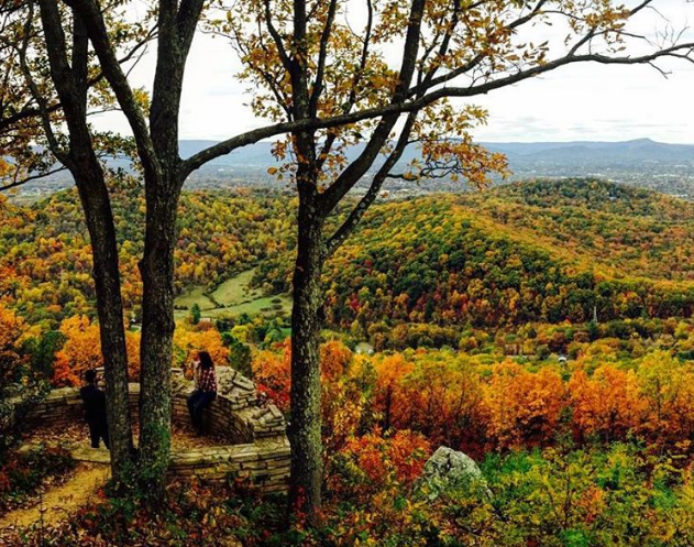 10 Hikes For The Best Fall Colors In Virginia S Blue Ridge