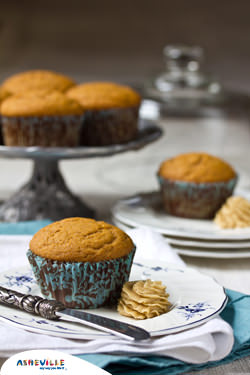 Easy Spiced Pumpkin Muffins with Brown Sugar Butter #Recipe | ExploreAshevlle.com
