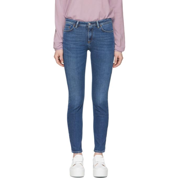 Dark Blue Jeans in Mid Blue