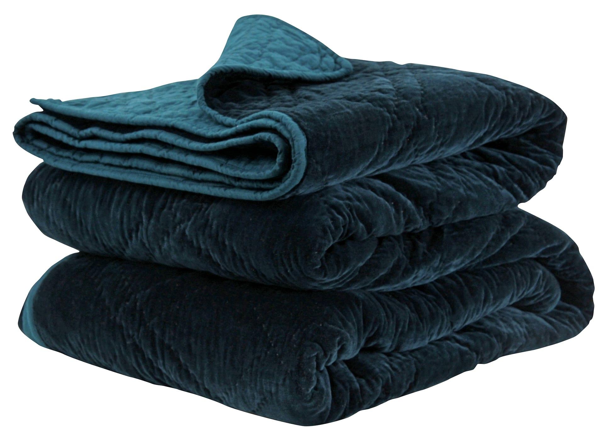 Wallace Cotton Extra Large Peacock Plush Velvet Bedspread