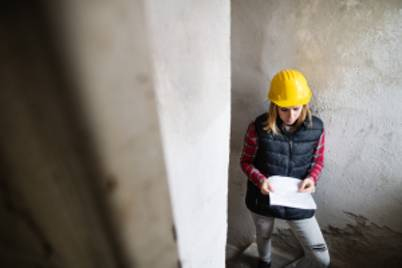 Young woman worker on the building site ptraj7b 300x200