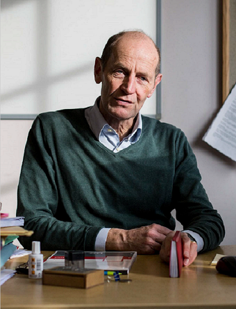 Associate Professor Stephen Woolcock