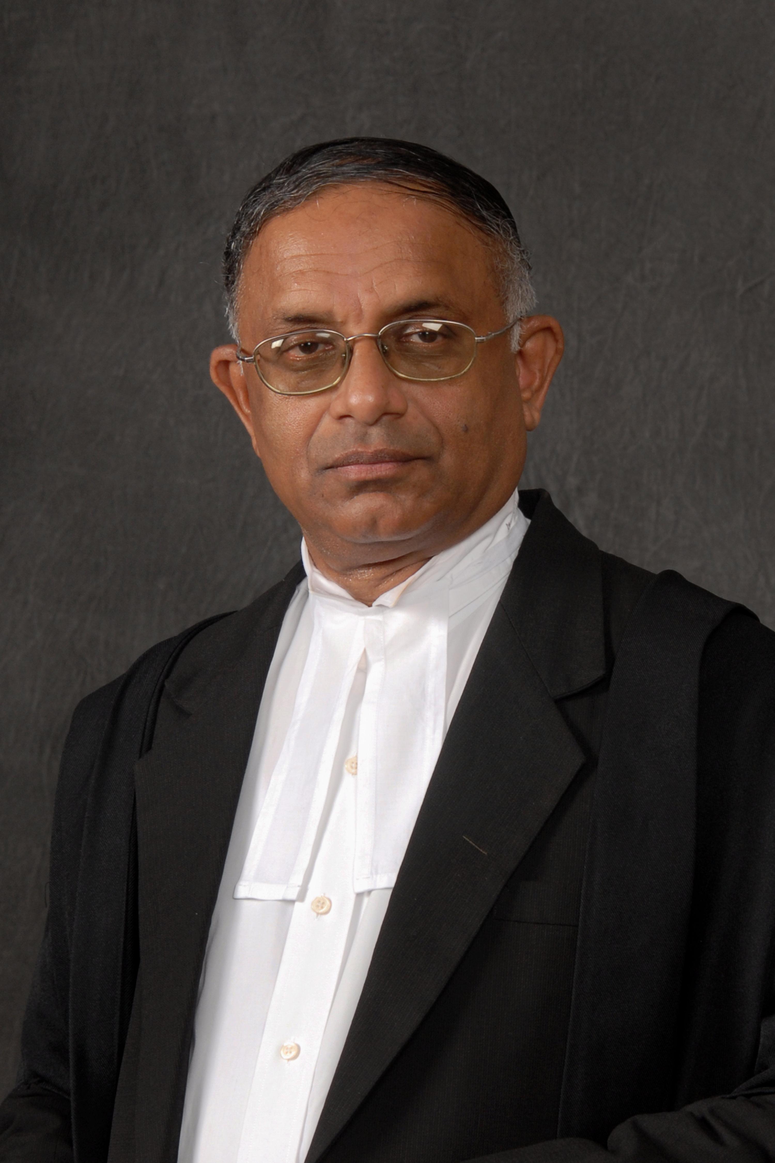 Dr Jayampathy Wickramaratne