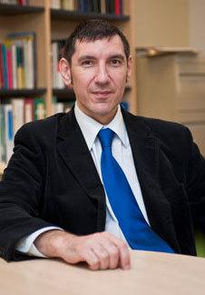 Professor Alfredo Martínez-Expósito