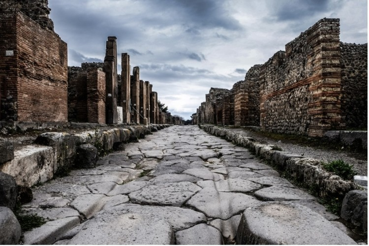 Pompeii: Destruction and Rediscovery