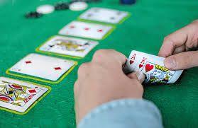 Cụ thể về các nút chọn và trình tự của 1 ván đấu Poker