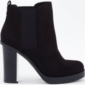 bf68e986bc4c Wide Fit Black Suedette Metal Heel Chelsea Boots New Look from New Look.