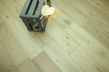 Natural Engineered Flooring Oak UV Lacquered 10/2mm By 150mm By 300-1500mm