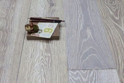 Natural Solid Flooring Oak Brushed UV White Medium 20mm By 120mm By 300-1500mm