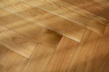Prime Engineered Flooring Oak Herringbone Non Visible UV Oiled 14/3mm By 98mm By 590mm