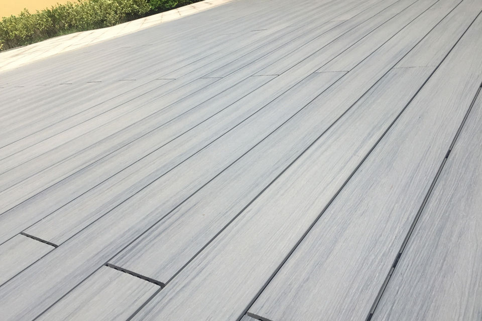 Supremo wpc composite decking boards silver grey 22mm by for Decking boards delivered