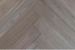 Prime Engineered Oak Herringbone Brushed Unfinished 10/3.5mm By 97mm By 582mm