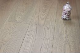 Prime Engineered Oak Spring Grey UV Oiled 14/3mm By 190mm By 1900mm