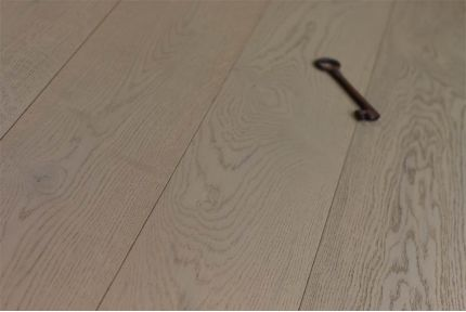 Select Engineered Oak Paris White UV Oiled 14/3mm By 190mm By 1900mm