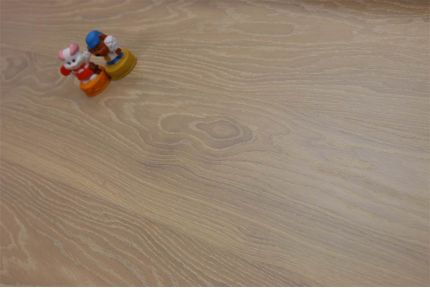 Select Engineered Oak Click Brushed White UV Oiled 14/3.5mm By 195mm By 790-2400mm
