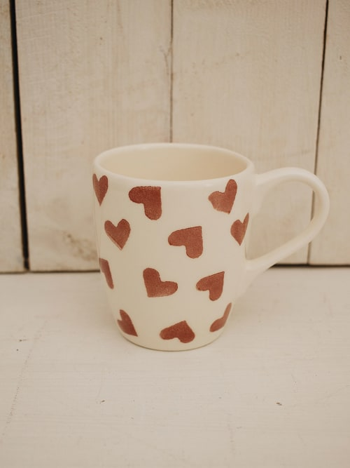 Mug, in ceramica, avorio con cuori rossi - Angelica Home & Country