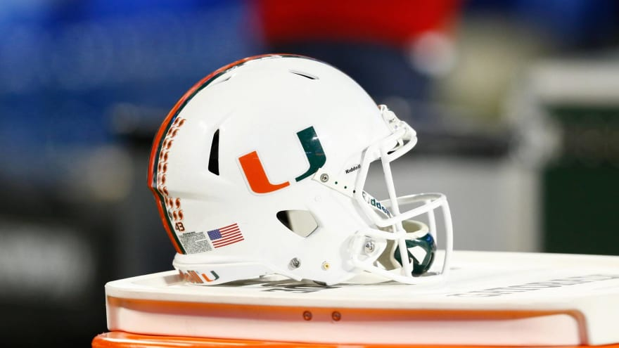 Miami suspends starting CB DJ Ivey for season opener against Florida
