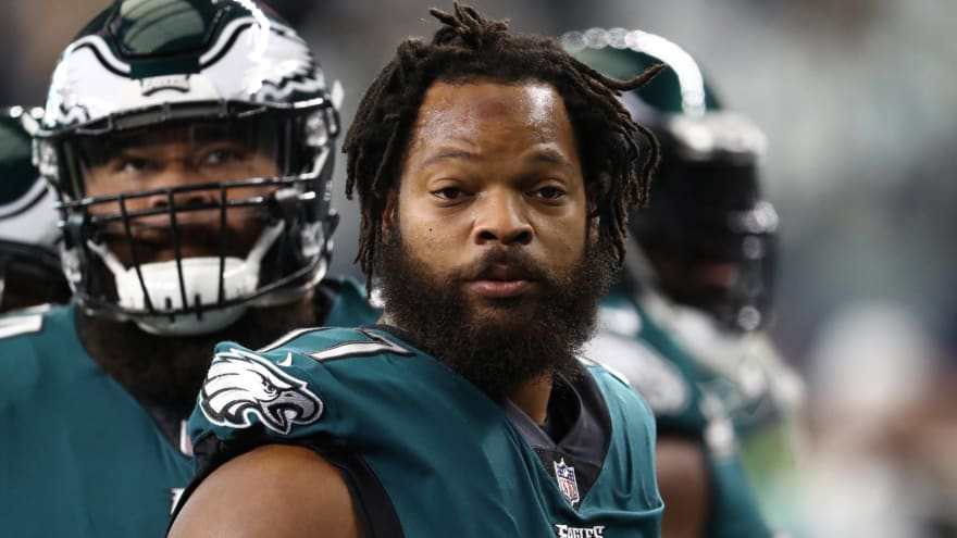 Eagles don't appear eager to trade Michael Bennett despite shopping him